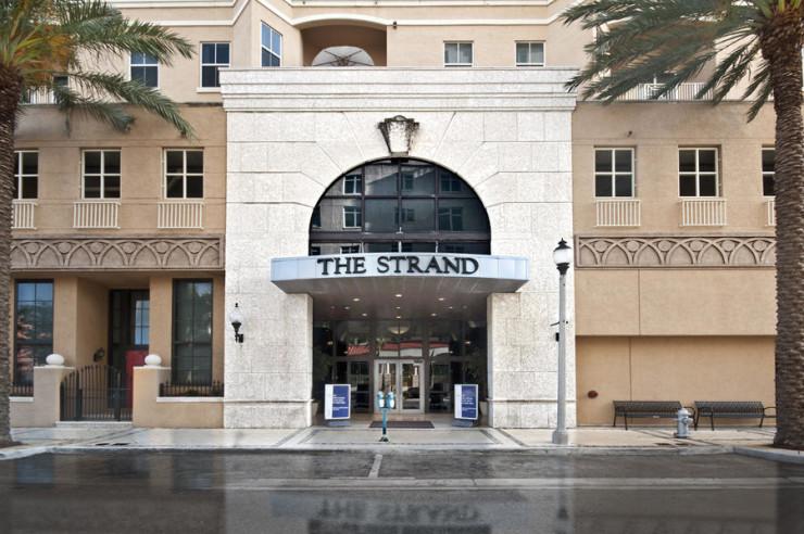 Strand Entrance