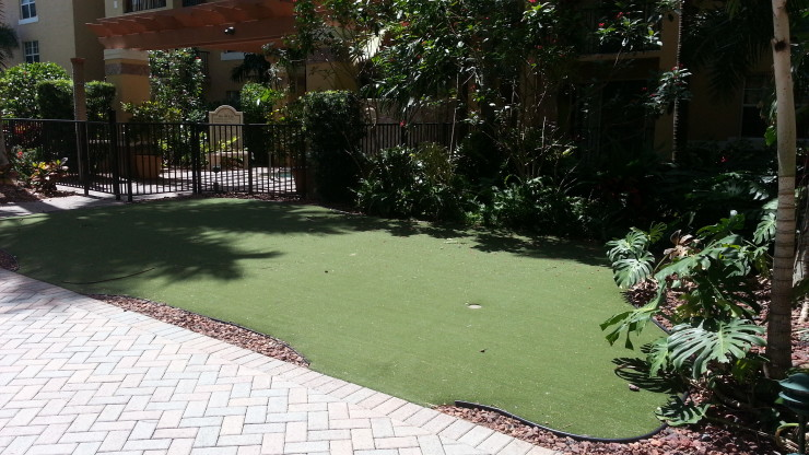 Flagler Pointe Putting Green